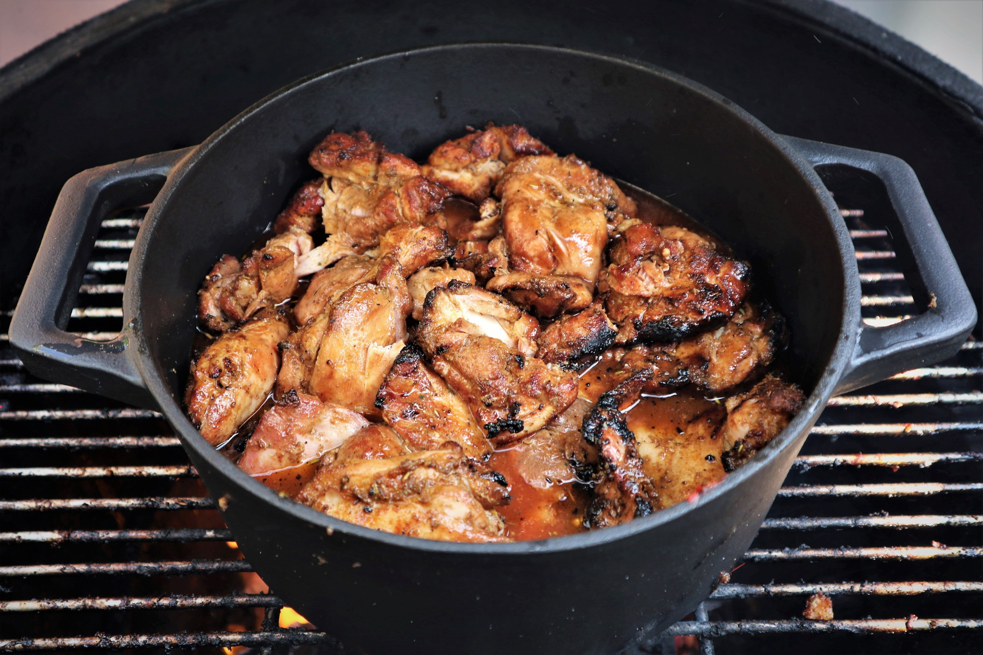Pulled chicken uit de dutch oven BBQ Experience Center