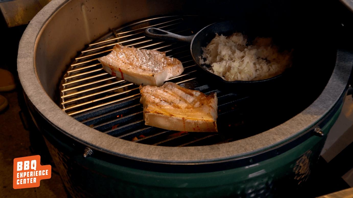 Varkensentrecote gerookt op steeneik met zuurkool